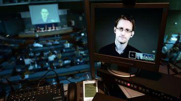Ce n'est pas la première fois qu'Edward Snowden ne peut être présent que virtuellement.