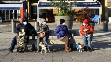 Coronavirus en France : le couvre-feu passe à 18h sur l'ensemble du territoire ce samedi