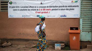 Une distribution d'antipaludéens préventifs l'an dernier, près de Ouagadougou au Burkina Faso. Cette année, toutes ces distributions auront-elles lieu?