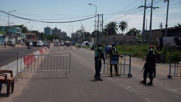 Le boulevard du 30-juin, vide, à Kinshasa.