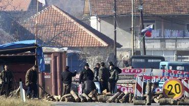 Barricade érigée dans le village de Zupce, au Kosovo