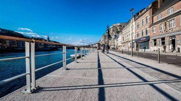 Les quais ont été élargis. Objectif : refaire les voiries, améliorer la mobilité des piétons mais surtout faire en sorte que ce bord de Meuse soit attirant pour le touriste.