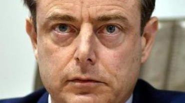 """Attentats à Bruxelles - La présence de De Wever à une réunion policière était """"inopportune"""""""