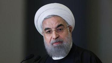 Le président Rohani cerné par les critiques des iraniens