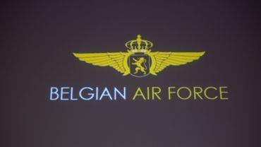 """Sept jeunes pilotes reçoivent leurs """"ailes"""" avant de passer sur F-16, C-130 ou NH90"""