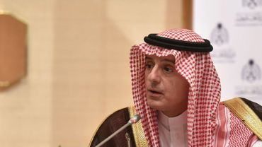 Le ministre d'Etat saoudien aux Affaires étrangères, Adel al-Jubeir, lors d'une conférence de presse avec  son homologue russe Sergueï Lavrov, le 4 mars 2019 à l'aéroport international de Ryad