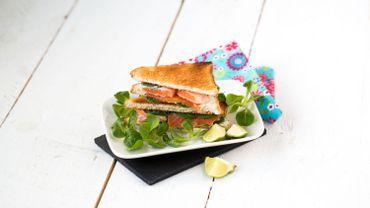 Club-sandwich printanier au fromage et à la truite