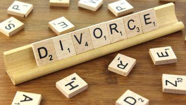 """Finie la mention """"divorcé"""" ou """"veuf"""" sur les documents administratifs, sauf si nécessaire"""