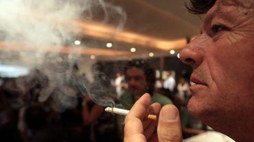 La nuit de jeudi à vendredi passé, un café contrôlé sur quatre ne respectait pas l'interdiction de fumer.