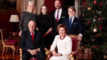 Le roi de Norvège confiné, une première victime du coronavirus dans le pays