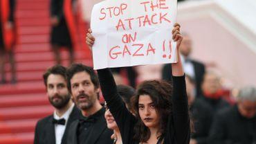 L'actrice franco-libanaise Manal Issa soutient Gaza sur le tapis rouge à Cannes