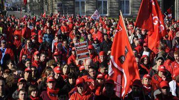 Plusieurs milliers de personnes issues des quatre coins de la Wallonie devraient rejoindre le cortège bruxellois ce mardi (illustration).