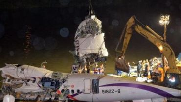 Crash à Taïwan: le bilan s'alourdit à 31 morts