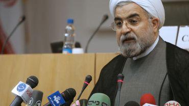 Hassan Rohani a une tête d'avance lors des premiers comptages des bulletins de vote