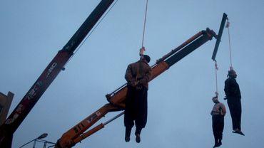Les pendaisons publiques sont fréquentes en Iran, comme ici en 2007 à Téhéran