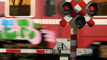 Un train de marchandises a percuté un piéton sur un passage à niveau, à Pont-à-Celles (illustration).