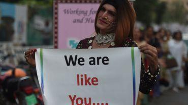 Personne transgenre lors d'une manifestation au Pakistan le 20 novembre 2017.