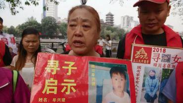 Moins de 100 enfants sont rendus à leur famille chaque année, contre des dizaines de milliers volés à leurs parents.