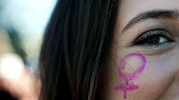 """""""Faites du bruit pour la femme"""": trois femmes témoignent de comportements sexistes quotidiens"""