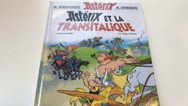 """""""Astérix et la Transitalique"""", dans sa trame, fait penser à deux scénarios de René Goscinny: """"Le tour de Gaule d'Astérix"""" et """"Astérix aux Jeux Olympiques""""."""