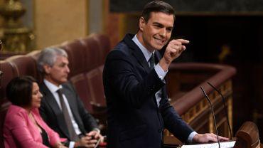 Espagne: Pedro Sanchez perd un premier vote de confiance mais sera reconduit mardi