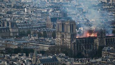 """Les """"Compagnons"""" prêts à reconstruire Notre-Dame de Paris: qui sont ces artisans passionnés?"""