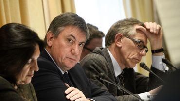 La ministre de l'Énergie Marie Christine Marghem (MR), le ministre de l'Intérieur Jan Jambon (N-VA) et le directeur de l'AFCN Jan Bens.