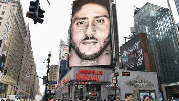 Portrait de Colin Kaepernick sur une publicité de Nike, le 8 septembre 2018 à New York