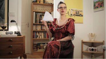 Dans leurs courtes vidéos, les animatrices du compte Miss Book mettent en scène les récits des ouvrages qu'elles évoquent sur le ton de l'humour.