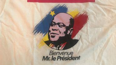 Le T-Shirt à l'effigie du président congolais distribué à Matonge