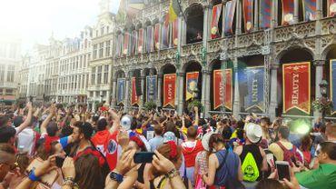 Des festivaliers de Tomorrowland ont dansé sur la Grand Place de Bruxelles
