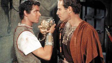Stephen Boyd et Charleton Heston incarnaient les ennemis Messala et Ben-Hur dans la version de 1959