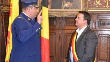 Laurent Raspe a prêté serment devant Laurent Devin, bourgmestre de Binche