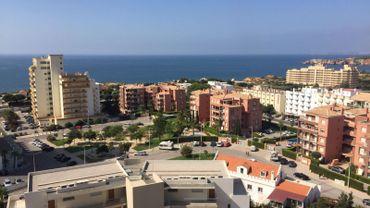 Des Belges, des Français, des Suisses, par dizaines de milliers, des retraités s'installent surtout dans la région de Lisbonne et dans le sud, en Algarve. Mais aujourd'hui, la demande dépasse l'offre.