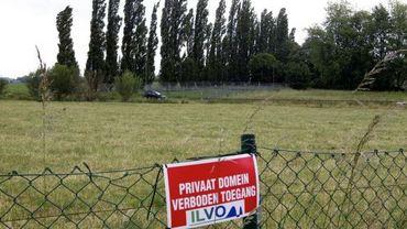 Entrée interdite sur le champ de pommes de terre génétiqueme,nt modifiées de Wetteren