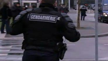 Entre 2007 et 2009, les polices françaises ont connu une demi-douzaine de blessés par flashball.