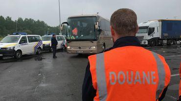 La douane lors d'une opération de contrôle à la frontière franco-belge en mai dernier