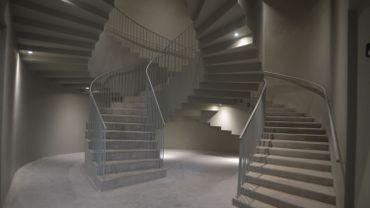 La Faculté d'architecture a quitté le site historique de Saint-Luc à Ramegnies-Chin pour s'installer à la rue de Glategnies, dans le quartier Saint-Jean à Tournai