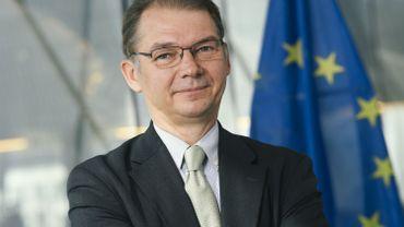 """Philippe Lamberts sur le siège du Parlement européen: """"Si j'étais la Belgique, je ne la ramènerais pas trop"""""""