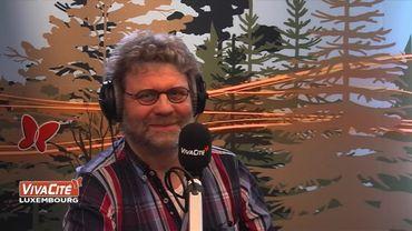 """La """"tour de contrôle"""" de la RTBF en visite dans les studios de Vivacité Luxembourg"""