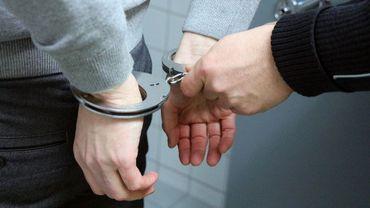 (Illustration) Le violent a été maîtrisé avant d'être amené au commissariat puis placé en Centre Fermé