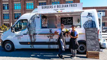 """Daniela et Laurence peuvent être fières, leur projet """"Manneken Eats"""" est devenu réalité à Hobart en Tasmanie (Australie)."""
