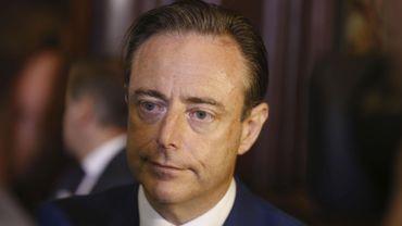 Selon Bart De Wever, il n'a jamais été question de baisser la pension des demandeurs d'emploi de plus de cinquante ans, actuellement au chômage depuis plus d'un an
