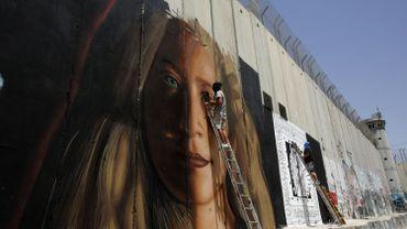 Israël libère deux Italiens ayant peint un portrait géant d'Ahed Tamimi