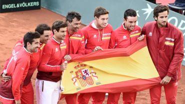 Les Espagnols feront face aux Français en demi-finales de Coupe Davis.