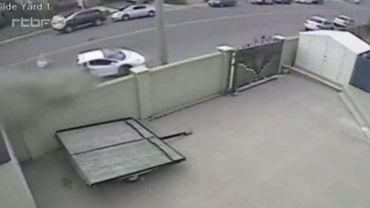 Une Lamborghini a été coupée en deux lors d'un accident