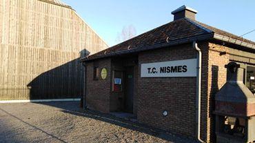 Le petit club du TC Nismes, dans le sud de la Belgique