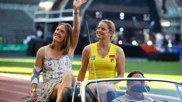Justine Henin (G) et Kim Clijsters (D)