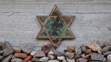 L'Etoile de David dans une cimetière juif de Berlin