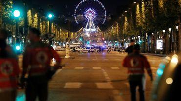 Fusillade Champs-Elysées: l'assaillant est connu et son identité a été vérifiée